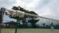 夏空に舞うテニスボール - 東金、折々の風景