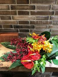 最小限のものに。。。。。 - Flower Supplement - Flowering for the comfort living ------- 日々の生活を、心を豊かにする花の世界