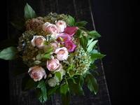 御命日に。「バラも可」。北26条にお届け。2017/09/01。 - 札幌 花屋 meLL flowers