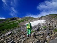 今年はしぶとく、乗鞍大雪渓でコブコブスキー!! - 乗鞍高原カフェ&バー スプリングバンクの日記②