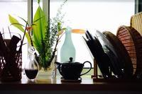 キッチンの窓辺 - 宙吹きガラスの器
