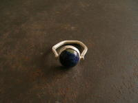 ラピスラズリ リング - 石と銀の装身具