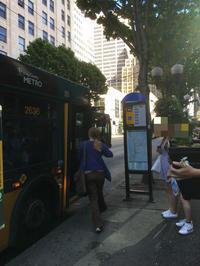シアトル・ダウンタウンからセーフコフィールド(SAFECO FIELD)へ。バスや電車でのアクセス方法。 - あれも食べたい、これも食べたい!EX
