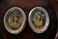 貴婦人肖像画入り木製銀彩楕円小額671,672 - スペイン・バルセロナ・アンティーク gyu's shop