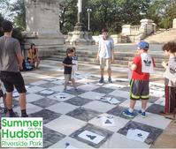 毎週木曜、NYで無料の「人間チェス」(Human Chess)開催中 - ニューヨークの遊び方