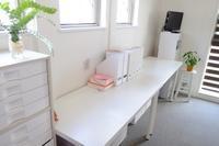 子供の学習机をリビングに設置しました - 不完全なマル