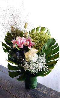 御命日にアレンジメント。2017/09/10。 - 札幌 花屋 meLL flowers