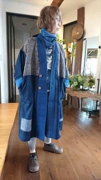 はおりコートに柿の花刺し子 - 古布や麻の葉