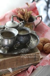 秋のお茶会をイメージしたディスプレイに。 - フレンチシックな家作り。Le petit chateau