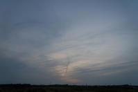 またもや曇りの夕方。 - 東に向かえば海がある