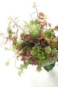秋のシャンぺトルブーケ&コンポジション - お花に囲まれて