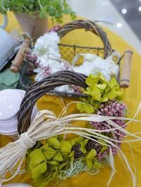 「秋のお部屋に似合うフラワーリースづくり」ワークショップ開催しました - 末森陽子のおもてなし会