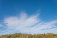 暑い日でした。でも空は秋。 - 東に向かえば海がある