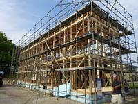 柱建てに続き構造体進行中青森市【CASA-Matere 】 - 北国の建築徒然草-山本プランニング一級建築士事務所