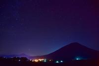 夜の羊蹄山(2) - Images of the North