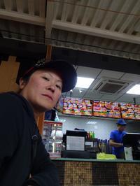 サハリン周遊11 【ロシアのハンバーガー店、「テイクアウト」通じず!】 - RÖUTE・G DRIVE AFTER DEATH