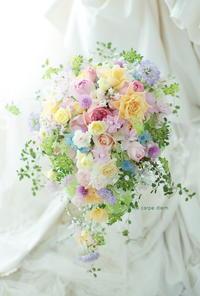 一年目のギフト、旦那様から奥様へ 八芳園の花婿花嫁さまより - 一会 ウエディングの花