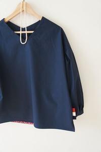ふんわり袖のブラウスのネイビーを作りました。 - 親子お揃いコーデ服omusubi-five(オムスビファイブ)