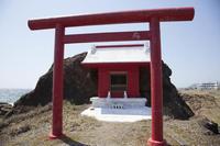 海辺の神社紅白 - ようこそ風の散歩へ