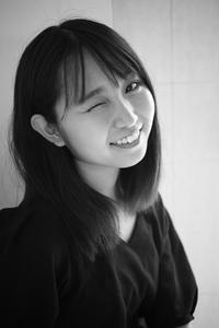 白井花奈ちゃん4 - モノクロポートレート写真館