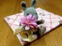 ☆小さな小さな花飾り☆ - ガジャのねーさんの  空をみあげて☆ Hazle cucu ☆