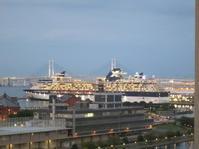横浜港 - Returns Groundhog Day