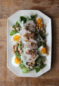 ロメインレタスで山盛りサラダ - Nasukon Pantry