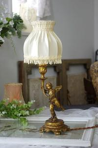#0170a フランスアンティーク 天使ブロンズ テーブルランプ  - La voix douce