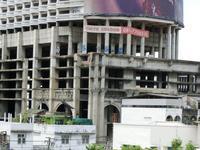 バンコクの廃墟タワー - イ課長ブログ