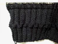 黒いスヌード編みはじめ - D-E