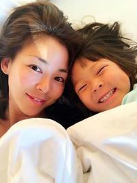 美魔女!モデルのSHIHO韓国で人気、娘のサランちゃん写真多数大きくなった!SHIHO奇跡の40代のスタイルと驚きの過去モデル時代!滋賀のご実家の動画 - 韓国芸能人の紹介 整形 ・ 韓国美人の秘訣    TOP