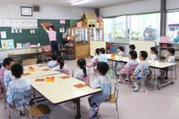 折り紙制作(すずらん) - 慶応幼稚園ブログ【未来の子どもたちへ ~Dream Can Do!Reality Can Do!!~】