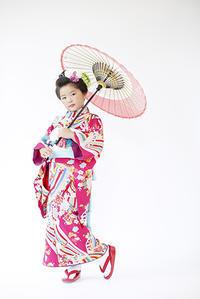 7才女の子の着物も可愛いラインナップで取り揃えています - それいゆのおしゃれ着物レンタル