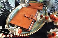 イタリアンバケッタレザー・プエブロ・ロディアメモ帳カバーと名刺入れ・時を刻む革小物 - 時を刻む革小物 Many CHOICE~ 使い手と共に生きるタンニン鞣しの革