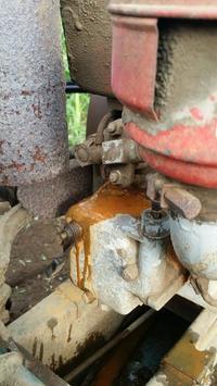 耕運機から水漏れが - プレハブ以上~古民家未満