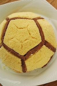 サッカーボール型のケーキを作ってみた その4 - 空ヤ畑ノコトバカリ