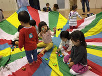 10月17日 親子リトミック例会開催しました - 子育てサークル たんぽぽの会