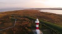 秋深まる石狩浜に、化粧直しの灯台が映える - 美味しいもの見つけた! コマーシャルフォト&ドローン空撮の「スタジオ・フレックス」 北海道 札幌市