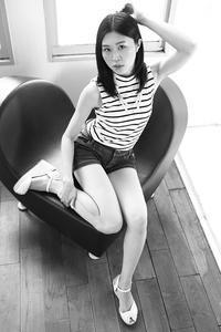 山本萌子ちゃん12 - モノクロポートレート写真館