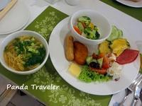 ホテルの朝ご飯ビュッフェとホーカーランチ - 酒飲みパンダの貧乏旅行記 第二章