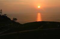 能登の美しい朝日を求めて - ~何でも揃う~本和堂雑多店(写真館)