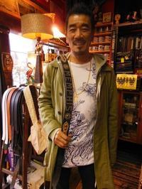 宇崎竜童氏にご来店頂きました - ROCK-A-HULA Vintage Clothing Blog