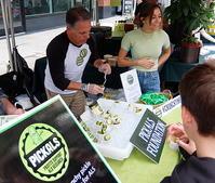 ピクルス売ってALS研究支援への寄付を集めるPICKLAS - ニューヨークの遊び方