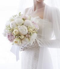 新郎新婦様からのメール ザ・ペニンシュラ東京様へ 結婚式において、私の特別でしたという花を - 一会 ウエディングの花
