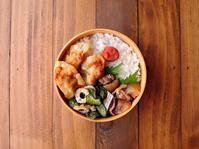 10/25(水)揚げギョーザ弁当 - おひとりさまの食卓plus