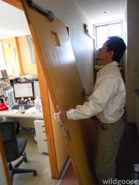 今日は西山工務店さんドア修理中│´ω`)ノ - ★豊田市の車屋さん★ワイルドグース日記