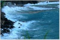台風22号通過 - ハチミツの海を渡る風の音