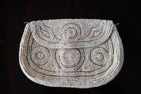 ビーズ刺繍の白小バッグ - スペイン・バルセロナ・アンティーク gyu's shop