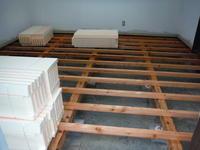 リビング床工事~2重張りと断熱材入の床作り。 - 市原市リフォーム店の社長日記・・・日日是好日