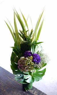七回忌の法要にアレンジメント。2017/10/24。 - 札幌 花屋 meLL flowers